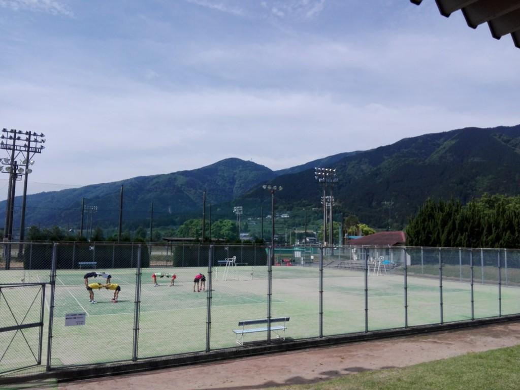 岐阜県揖斐郡 池田公園テニスコート